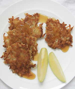 apple-cinnamon-latkes