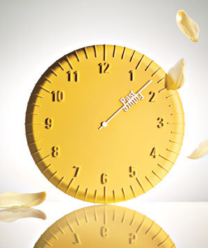 yellow-clock-past-future