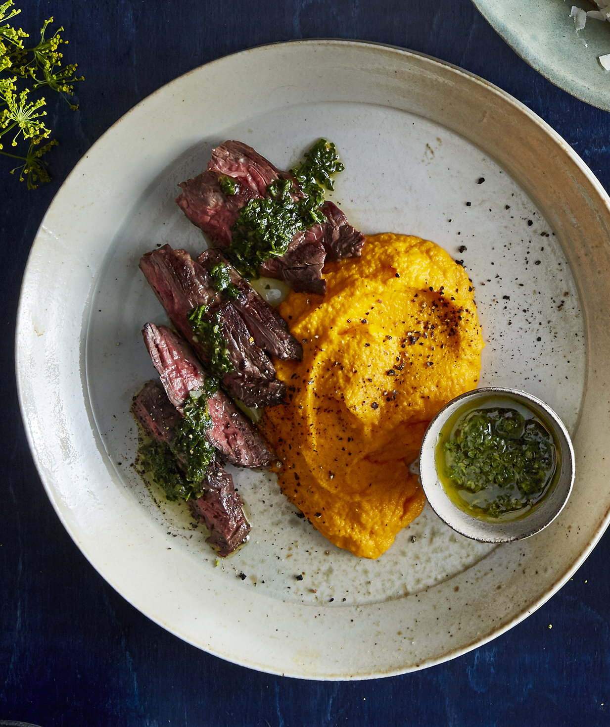 hanger-steak-mashed-carrots