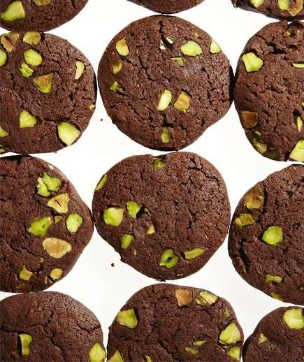 chocolate-pistachio-silce-bake-cookies
