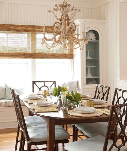 Going coastal 32 elegant ideas for dining rooms real for Coastal dining room ideas