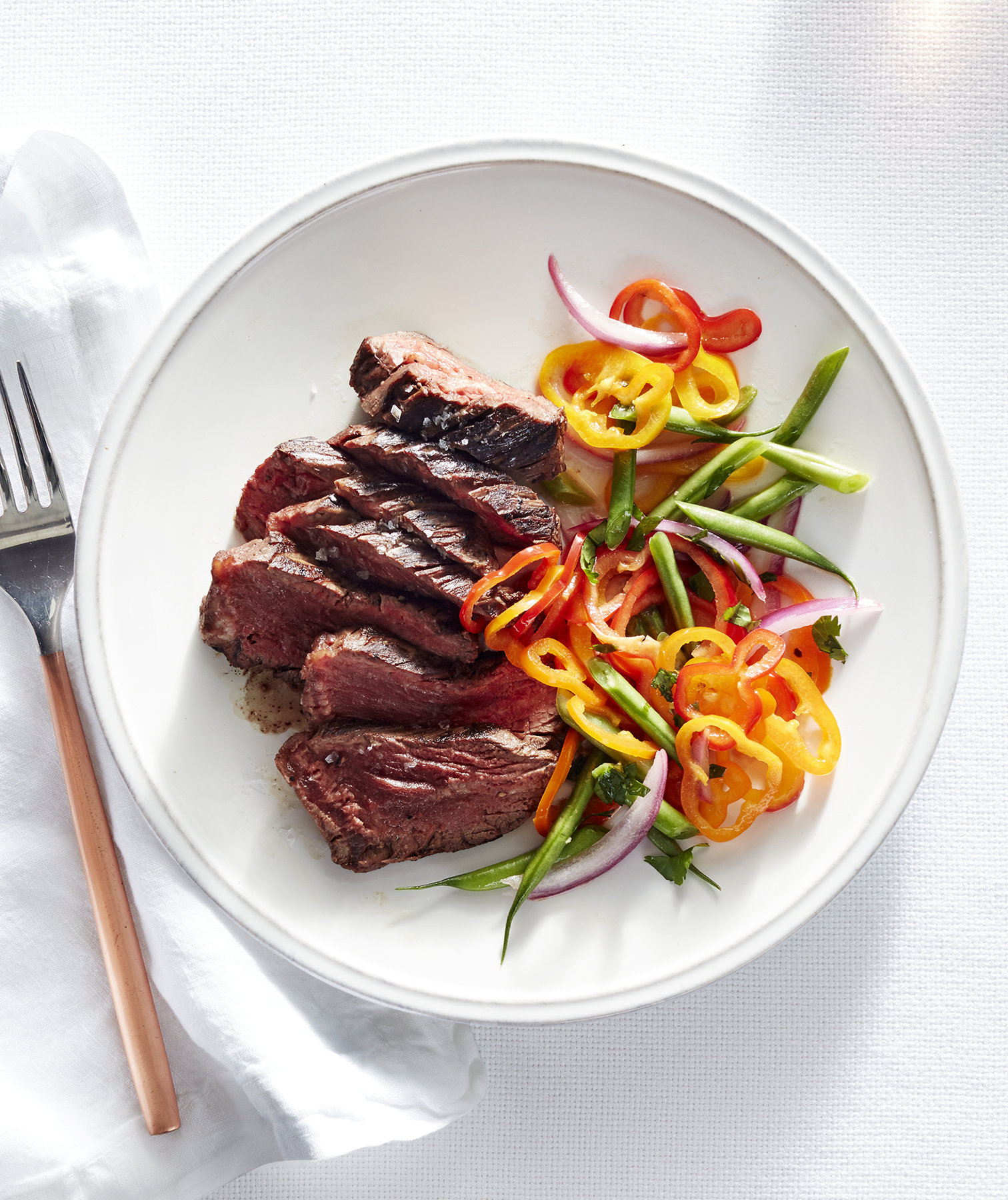 hanger-steak-green-bean-pepper-slaw